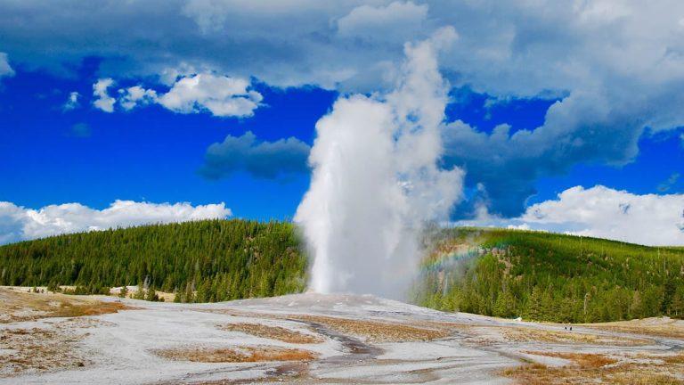 Géiser de Yellowstone explotó más veces en 2018 que en cualquier otro año