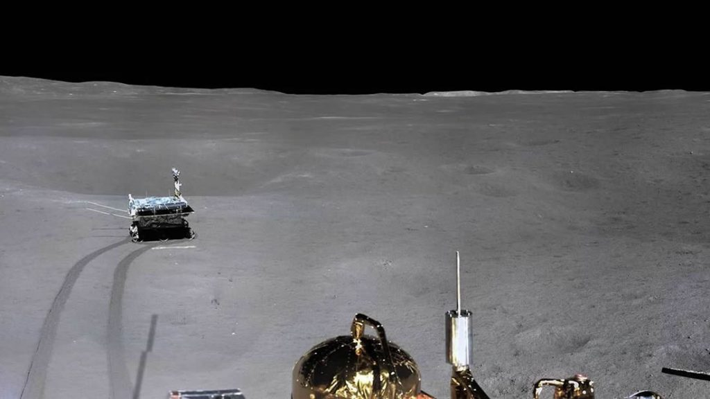 Imagen panorámica del lado oculto de la Luna