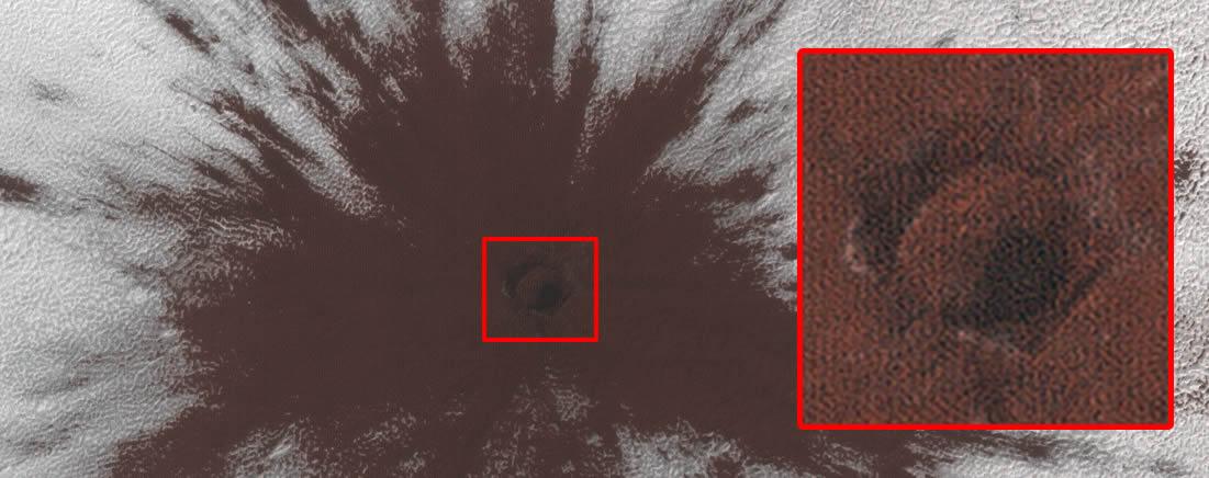 Primer plano de la zona de impacto en Marte