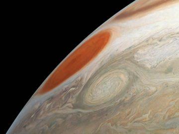Misión Juno captura dos gigantescas tormentas en Júpiter