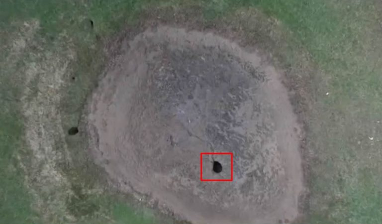Una laguna desaparece luego de que un OVNI caiga en ella