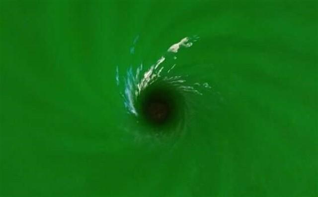 El estudio, que reprodujo los patrones de oscilación de las ondas gravitacionalesen un agujero negro