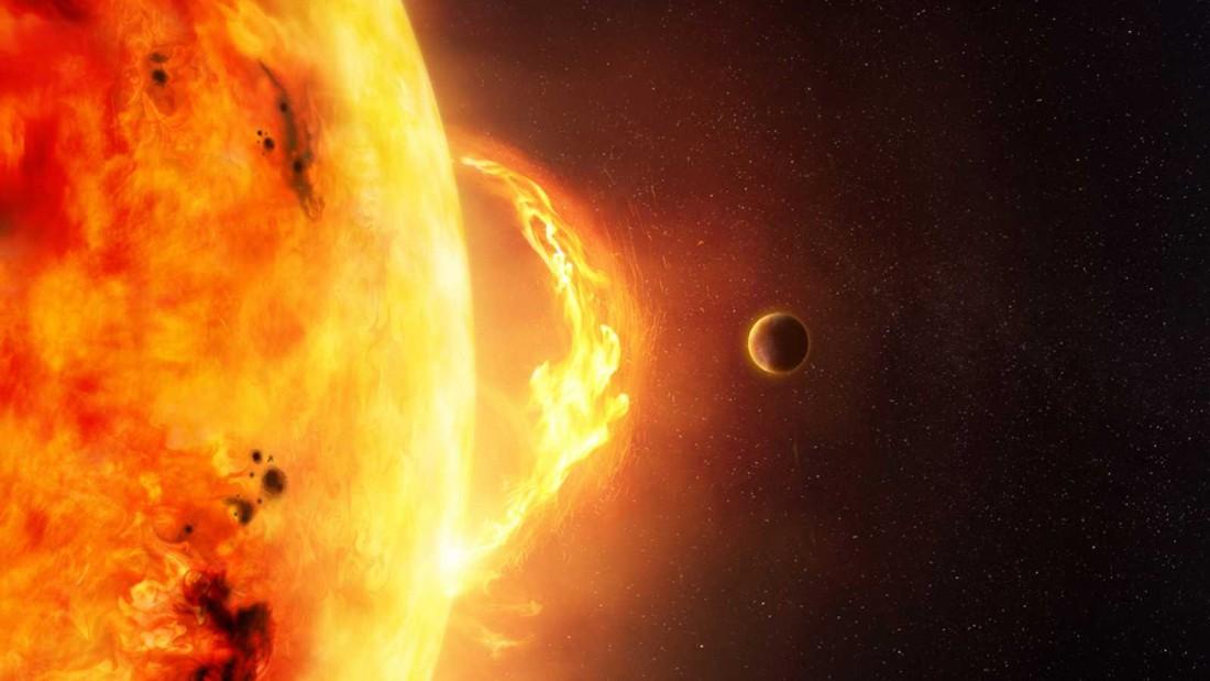 Científicos alertan que una intensa tormenta solar golpeará la Tierra esta semana