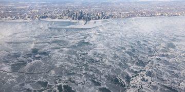 El Lago Michigan es un «mundo congelado» ahora mismo