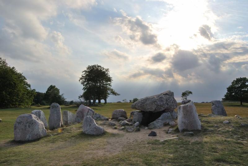 Dolmen de Haväng, Scania. Sorprendentemente, los conceptos arquitectónicos de los megalitos son similares o incluso idénticos en toda Europa