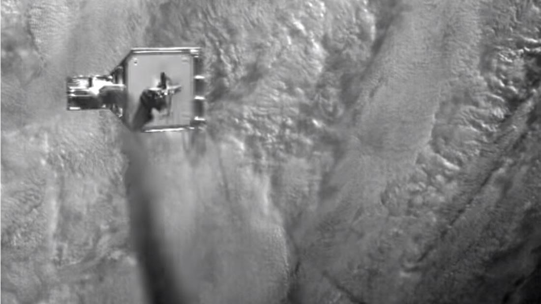 Mira el momento en que un satélite «caza» basura espacial usando un arpón