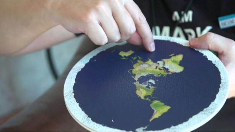 Investigadores culpan a Youtube por el aumento de terraplanistas