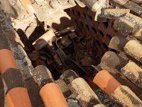 Objeto no identificado cae en Granada, España, rompiendo los tejados de una vivienda