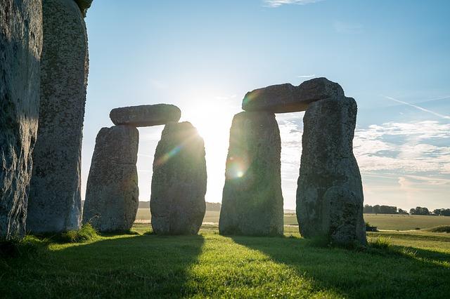 Las piedras de Stonehenge habrían sido utilizadas en otro monumento anteriormente y luego transportadas a su sitio final