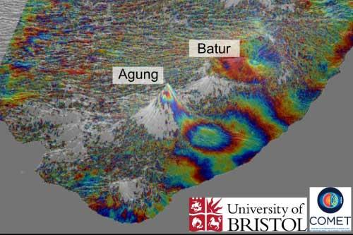 Las imágenes satelitales revelan que la tubería subterránea del volcán Agung de Bali puede estar conectada a su vecino, el Monte Batur, ubicado a 18 kilómetros