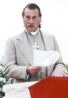 Además de sus actividades como explorador, Gene Savoy se convirtió en obispo de su propio culto, dedicado a la segunda venida de Cristo, y que fundara, allá por década del 50'