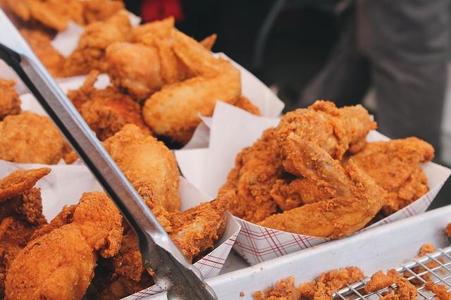 De acuerdo a las patentes, sería posible producir carne de pollo y res en laboratorio