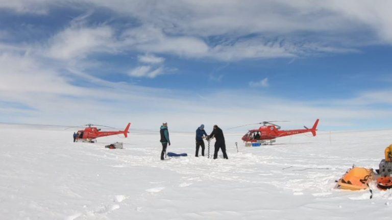 Hallan una enorme red de lagos bajo el glaciar más grande de la Antártida oriental
