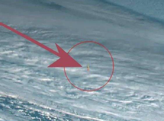Explosión causada por la explosión del meteorito en el Océano Pacífico