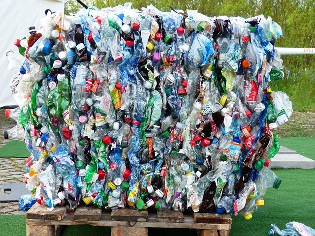 Botellas de plásticos de refrescos para reciclaje