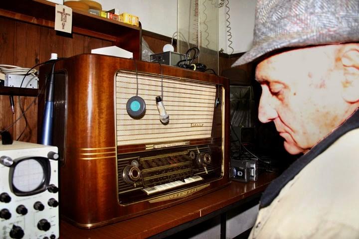 Marcello Bacci ha logrado comunicarse con los muertos con su vieja radio a válvulas