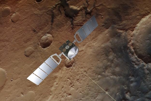 Representación artística de Mars Express. La imagen de fondo se basa en una imagen real de Marte tomada por la cámara estéreo de alta resolución de la nave