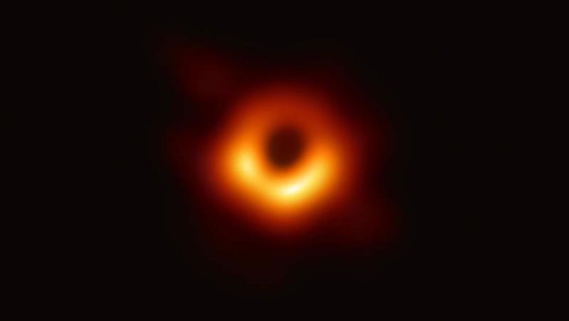 Los científicos han dado a conocer las primeras imágenes que se han capturado del horizonte de eventos de un agujero negro