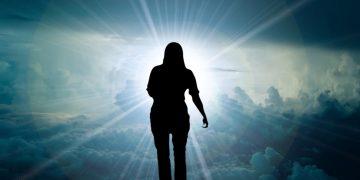Científicos confirman que las drogas causan que los ateos crean en Dios