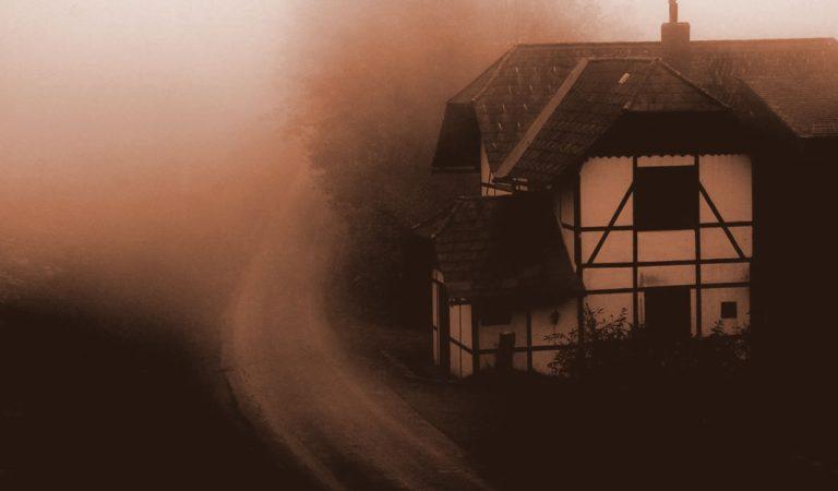 El Fenómeno de las Casas Encantadas: Historia e investigaciones