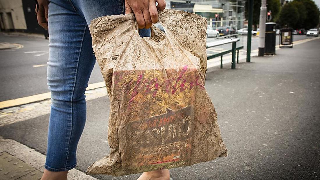 Una de las bolsas de plástico «biodegradables» utilizadas en la investigación