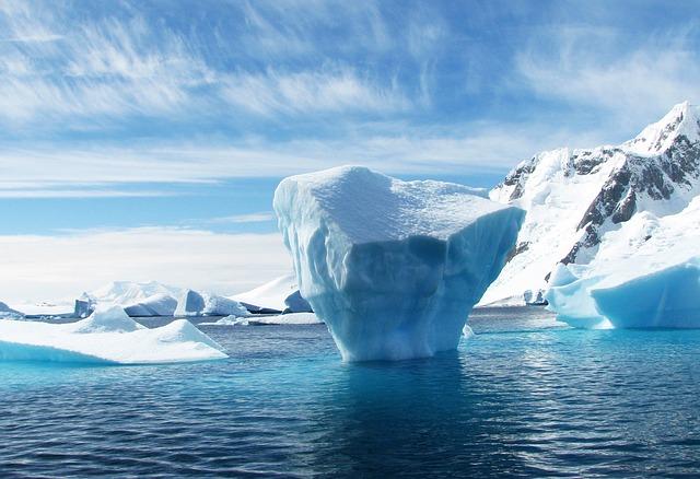 Los científicos creen que nuevos agujeros se abrirán en la Antártida debido a las condiciones climáticas desfavorables