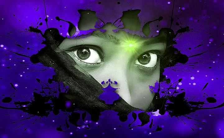 Representación de una Índigo con el Tercer ojo activado