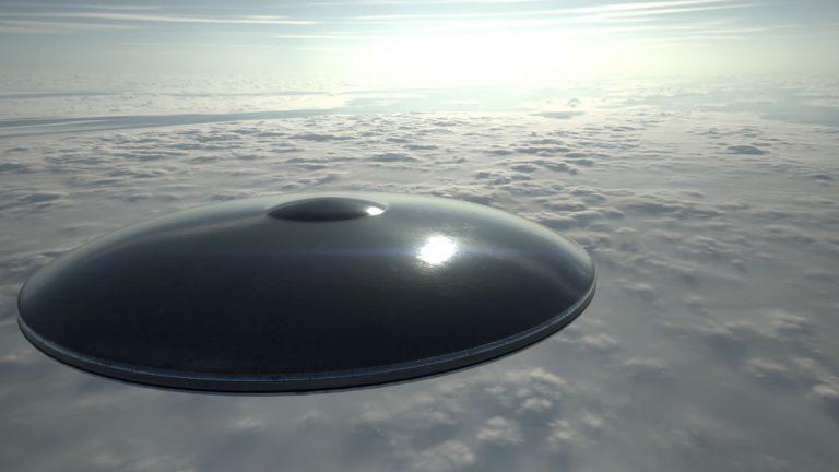 La Marina de EE.UU. investigará avistamientos de OVNIs «mucho más en serio»
