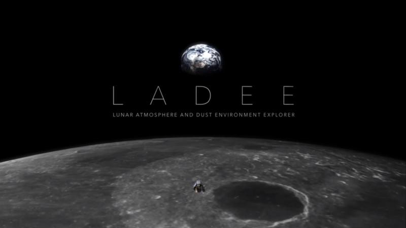 Meteoritos que golpean la Luna extraen agua a la superficie