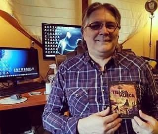 Mi amigo Marcelo Martorelli, junto a mi libro. Brillante estudioso, de los misterios de la tierra interna