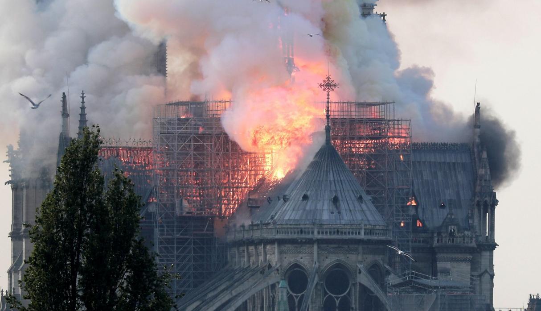 Catedral de Notre Dame en París destruida por el fuego