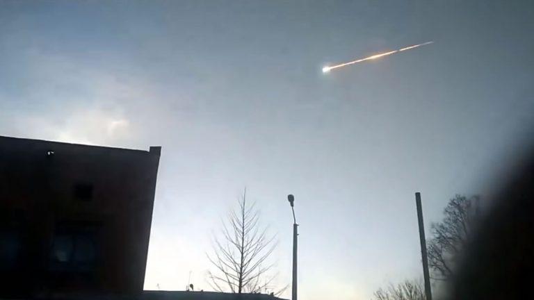 Otro meteorito gigante explota en Siberia