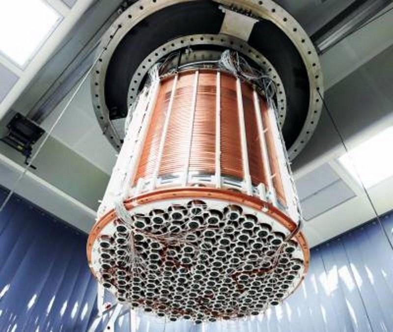 El detector XENON1T se muestra aquí y se instala de manera subterránea en las instalaciones de LNGS en Italia