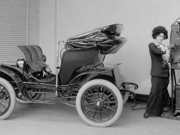 A inicios de 1900 los autos eléctricos eran muy populares ¿qué pasó?