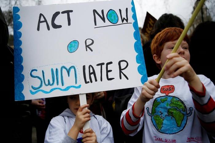 Protesta en escuela infantil en Londres el 15 de marzo