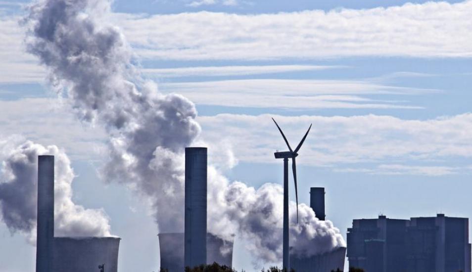 Fijar un precio al uso del carbón podría ser un método eficiente para reducir la contaminación