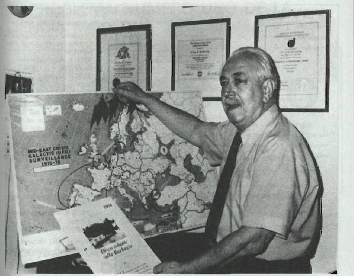 Von Kevieczky en un viejo artículo de lamítica Mundo Desconocido, alertando sobre como los ovnis afectan, la seguridad mundial, 1978