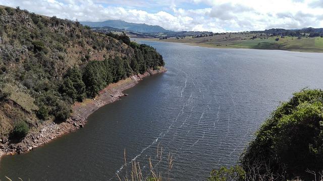 Solo un tercio de los ríos más largos de la Tierra ahora están «fluyendo libremente»