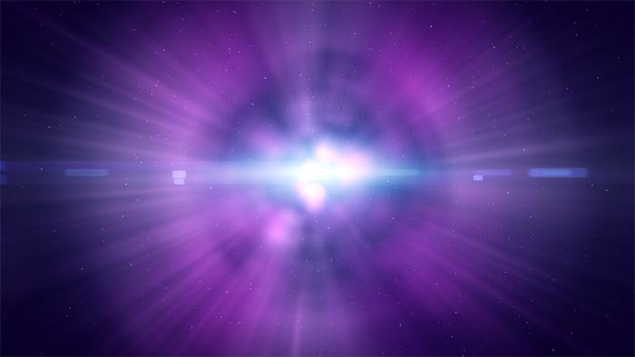 En meditación, el fuego angélico se ha observado como una energía de color violeta purpúreo