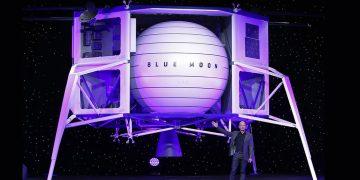 Fundador de Amazon presenta un vehículo que irá a la Luna en 2024 «Porque la Tierra no podrá sostener a la humanidad por siempre», dijo