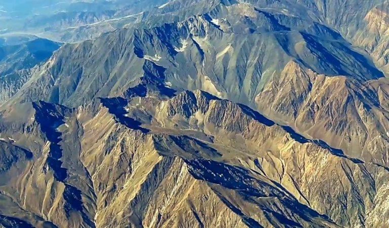 Gigantescas rocas subterráneas «goteando» en Asia podría estar causando cientos de terremotos