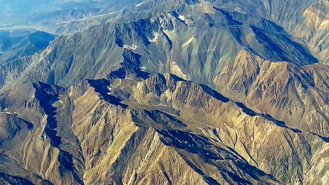 Gigantescas rocas subterráneas estirándose en Asia podría estar causando cientos de terremotos