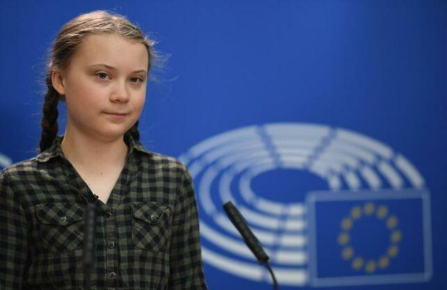 La joven activista sueca por el clima Greta Thunberg brindó un emotivo discurso ante los eurodiputados en la Comisión de Medio Ambiente del Parlamento Europeo