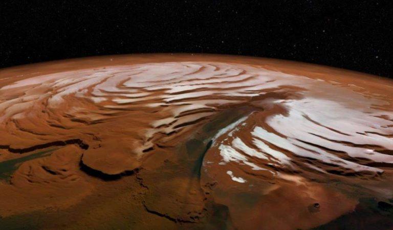 Hallan una gigantesca capa de hielo bajo el Polo Norte de Marte