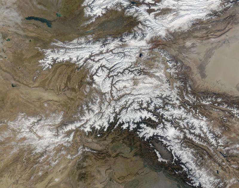 Montañas Hindu Kush vistas desde el espacio