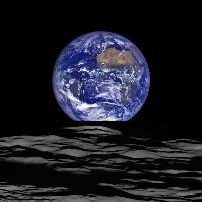 La Tierra en ascenso desde la perspectiva de la Luna