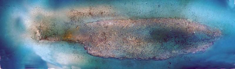 Foto mosaico de baja resolución del sitio del naufragio, producido por el arqueólogo marino Scott Sorset de la Bureau of Ocean Energy Management, utilizando imágenes de vídeo recopiladas durante la inmersión