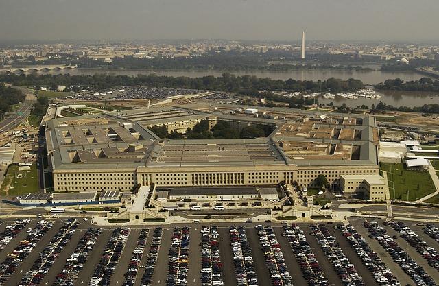 Pentágono finalmente admite que investigan OVNIs