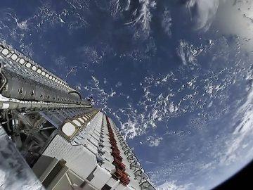 SpaceX lanzó sus primeros 60 satélites para llevar Internet de alta velocidad al mundo