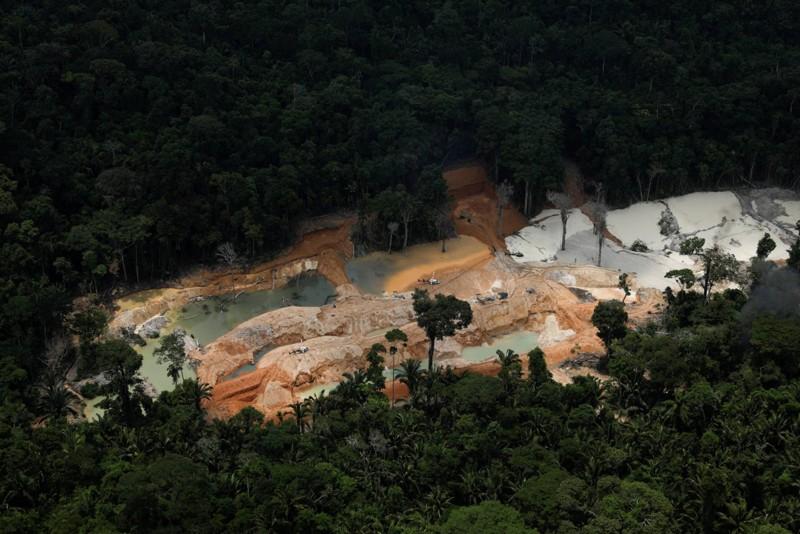 La minería ilegal ha causado destrozos en la selva de Brasil